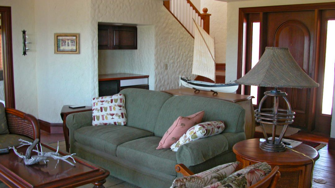 guest villa living room